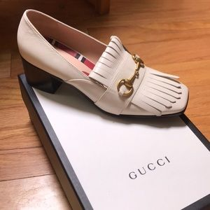 Gucci Leather Horsebilt Shoes in Cream